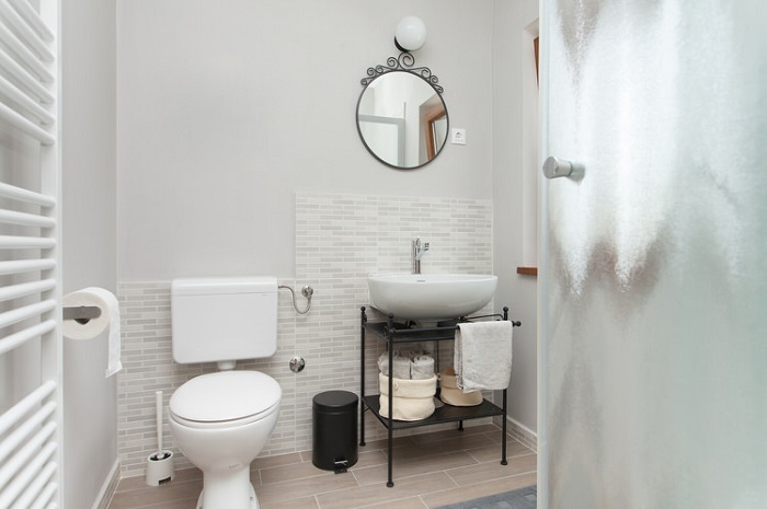 Small Scale Fixtures For Bthroom